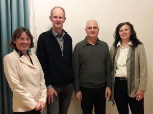 Prof. Ralf Otterpohl (li Mitte) und VeranstalterInnen des Vortrags: Claudia Hanke (li) und Uschi Resch (re) von der Agenda 21, mit Heiner Putzier von Slow Food.