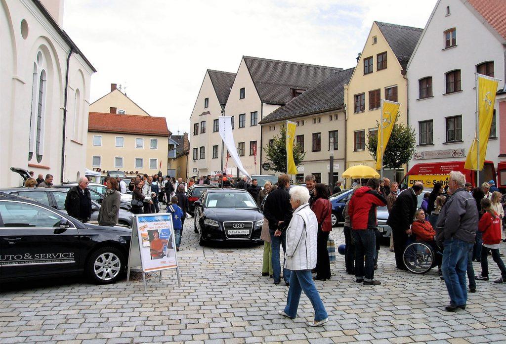 Autoschau Schadstoffarme Fahrzeuge, Weilheim Oktober 2009 - Kirchplatz