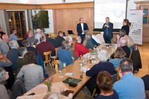 Gemeinwohl-Ökonomie Vortragsveranstaltung Paterzell, Mai 2019 - Wilfried Knorr referiert. (Foto Gronau)
