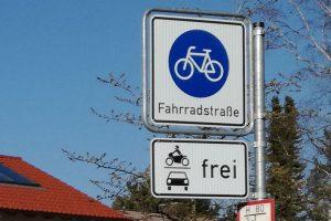 Radverkehr in Weilheim, Schild Fahrradstraße. April 2020.