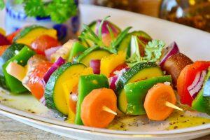 Gemüsespiess - Foto von RitaE (pixabay)